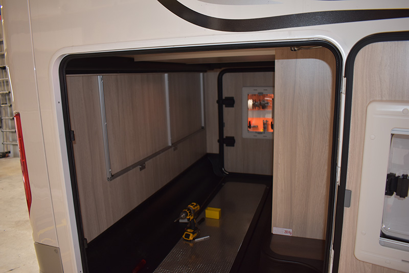 Hundebox im Reisemobil Rahmen